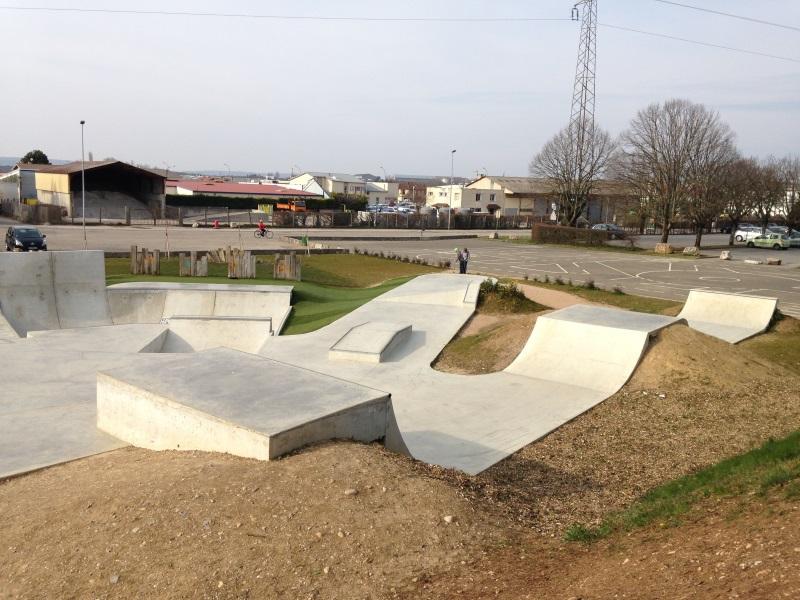 skatepark_beton_amberieu_en_Bugey