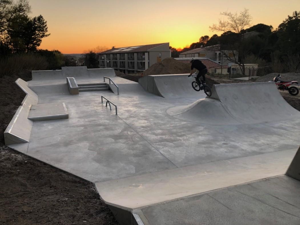 skatepark béton aire de street